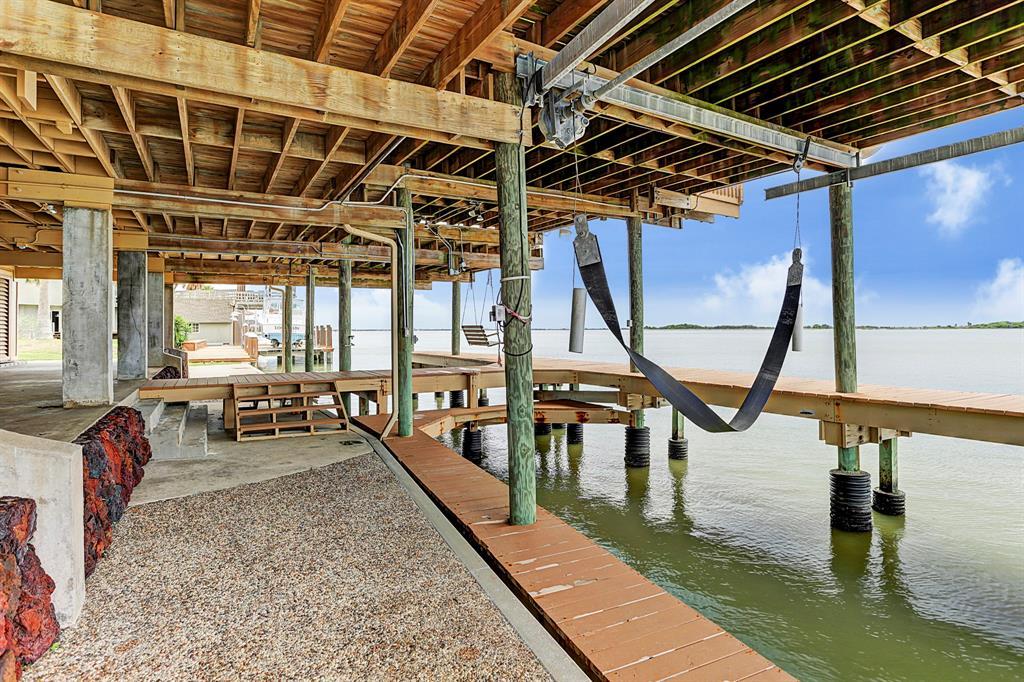 1749 Port O Call Street, Tiki Island, Texas 77554, 4 Bedrooms Bedrooms, 7 Rooms Rooms,4 BathroomsBathrooms,Single-family,For Sale,Port O Call,34397642