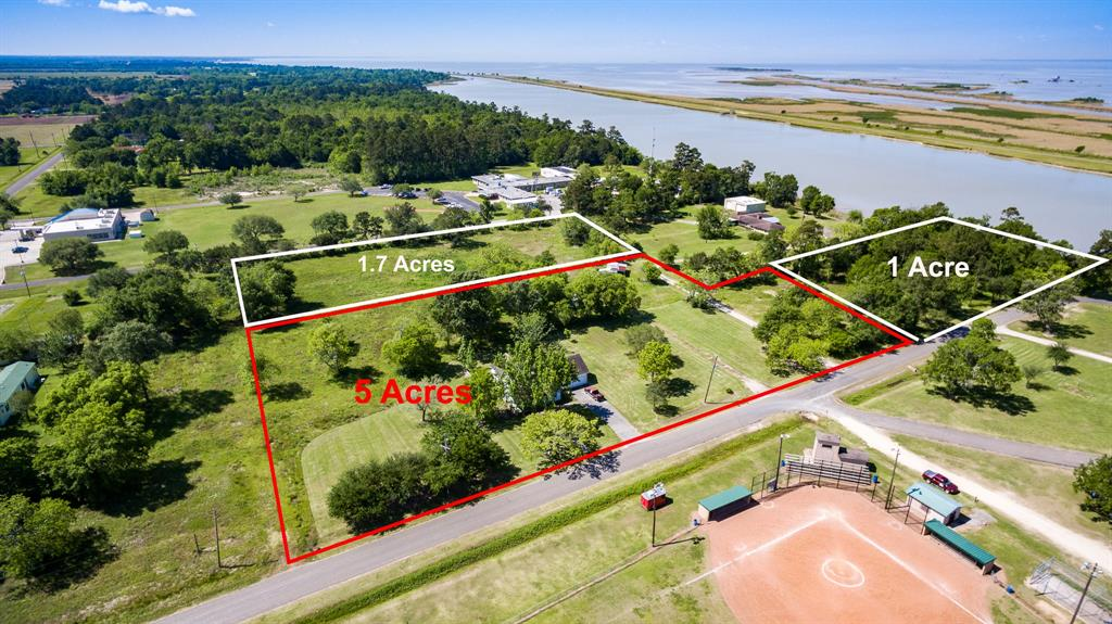 206 Chambers, Anahuac, Texas 77514, 4 Bedrooms Bedrooms, 6 Rooms Rooms,2 BathroomsBathrooms,Single-family,For Sale,Chambers,24345800